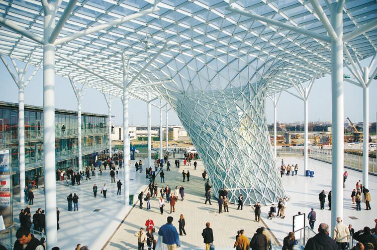 Materializando ideias: a relação entre engenharia estrutural e arquitetura, Feira de Milão. Imagem © Studio Fuksas