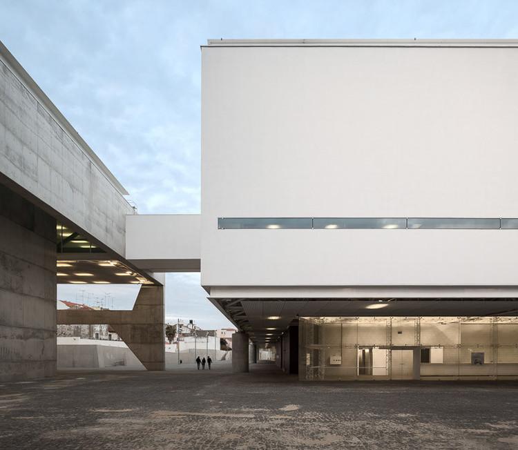 Museu dos Coches / MMBB Arquitetos + Paulo Mendes da Rocha + Bak Gordon Arquitectos. Imagem © Fernando Guaira   FG + SG