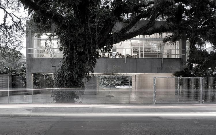 A casa de Geraci / Paulo Mendes da Rocha. Imagem © Fernando Stancons