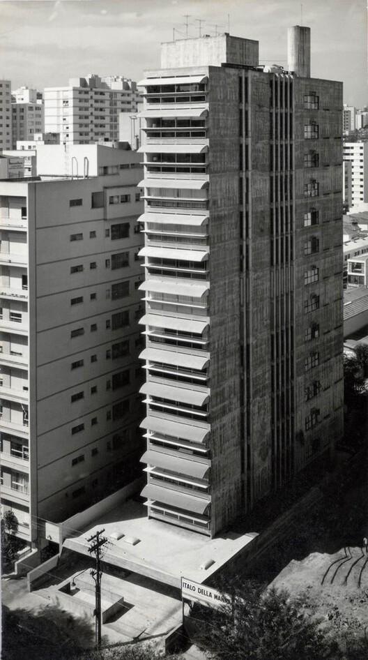 Edifício Guaimbê / Paulo Mendes da Rocha + João Eduardo de Gennaro. Imagem © Revista Acrópole, n. 343