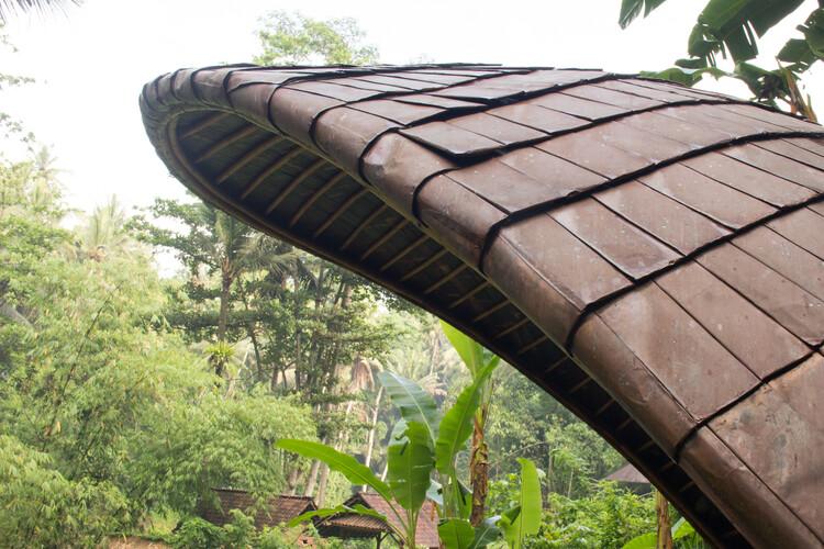 Sistemas de techos para construcciones en bambú, Shell Bale on Bambu Indah. Imagen © Eduardo Souza