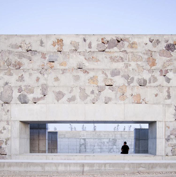 Cyclopean Concrete and Its Many Diverse Uses and Applications in Architecture, Venecia Park / Héctor Fernández Elorza + Manuel Fernández Ramírez. Image © Montse Zamorano