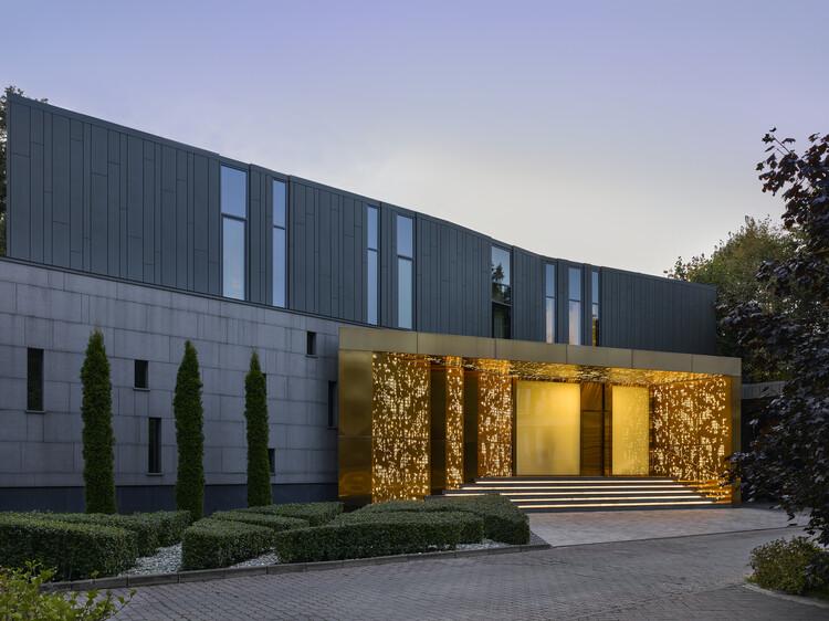 Silver Pine Residence  / SAOTA, © Sergey Ananiev