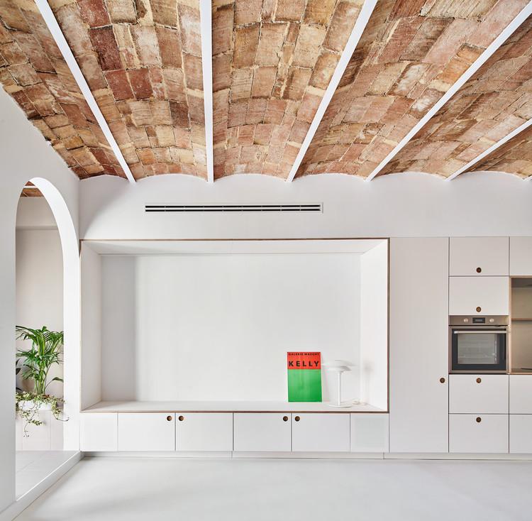 Reforma apartamento Joan Blanques / Allaround Lab, © José Hevia