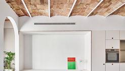 Reforma apartamento Joan Blanques / Allaround Lab
