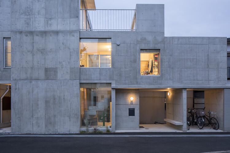 House in Kamiikebukuro / UmbreArchitects, © Takeshi Yamagishi
