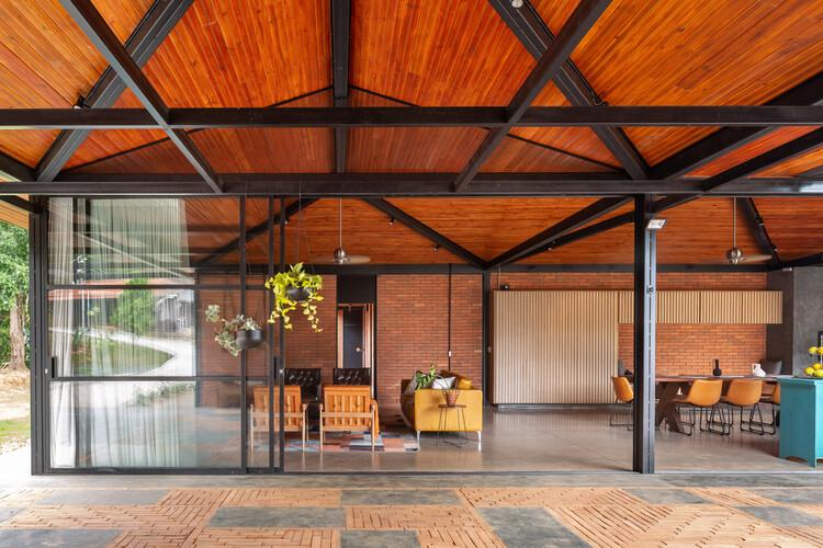 Casa Bricks / Ateliê Monolito, © Joana França