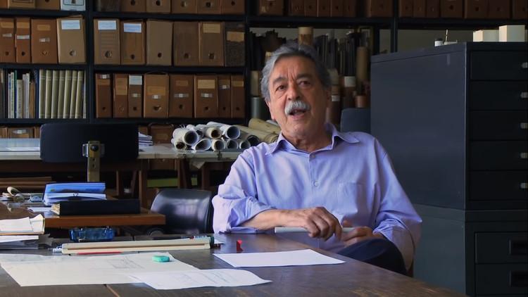 """Reflexões sobre arquitetura: Paulo Mendes da Rocha em 5 conversas, Frame de """"PMR 29': vinte e nove minutos com Paulo Mendes da Rocha""""."""
