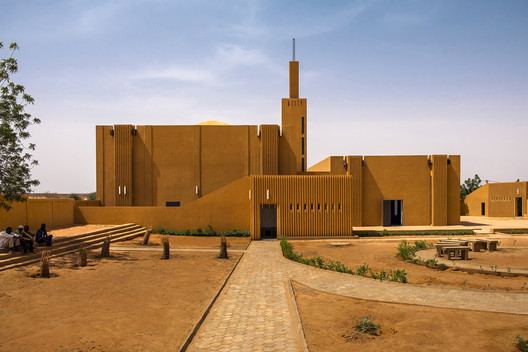 """Atelier Masomi and Studio Chahar, """"Hikma"""" Religious and Secular Complex in Dandaji, Niger, 2018. . Image Courtesy of Atelier Masomi. Photo: James Wang From the 2021 individual grant to Adil Dalbai and Livingstone Mukasa for """"Africa Architecture Network"""""""