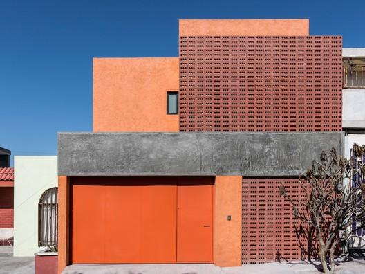 Casa Hernández / Terránea