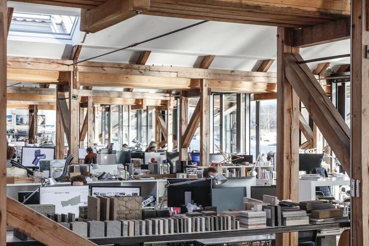 Como as ciências sociais estão ajudando a transformar o espaço construído, EXN/GXN office. Image © Rasmus Hjortshoj