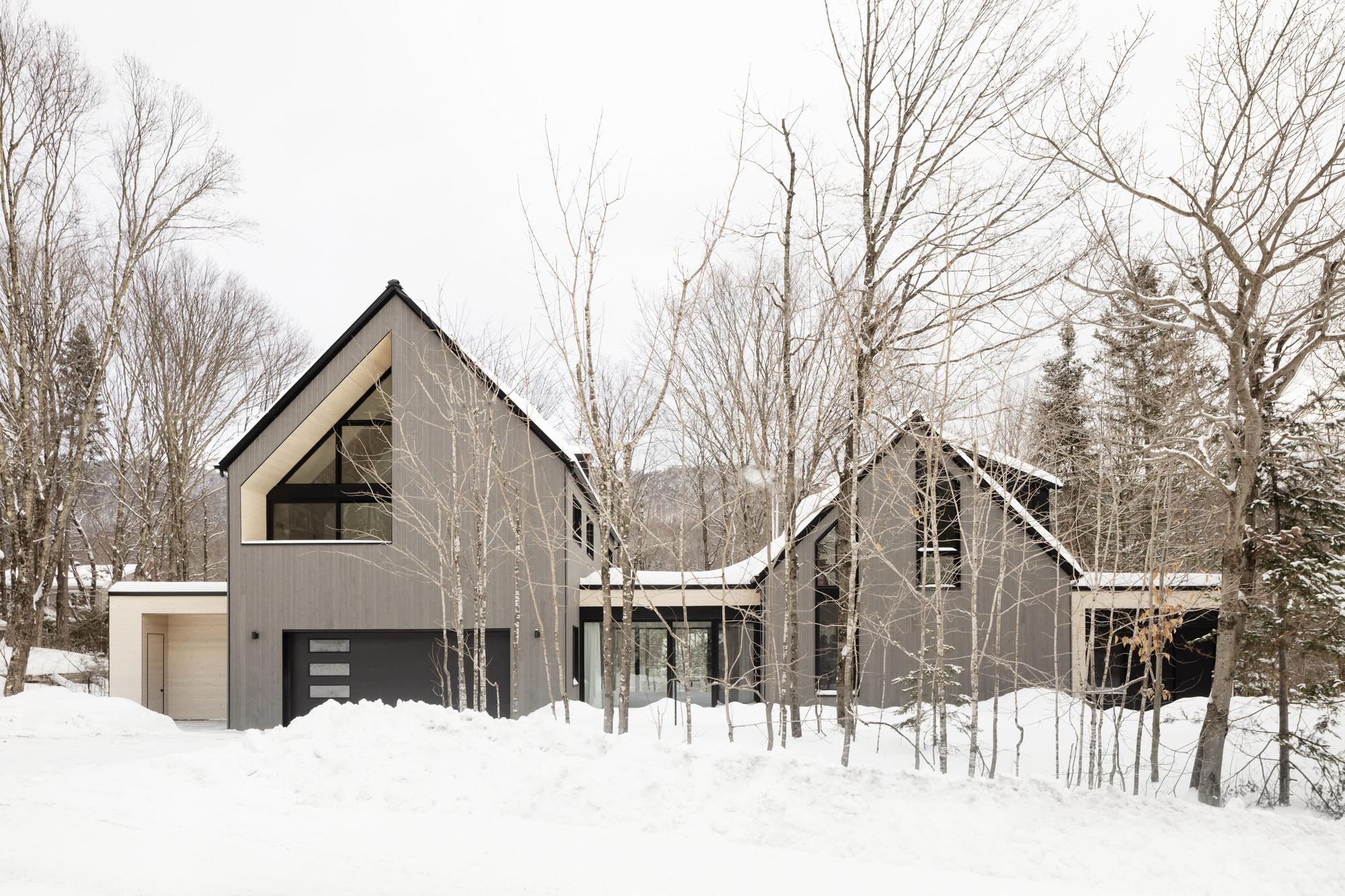 La Frangine Residence / Bourgeois / Lechasseur architectes