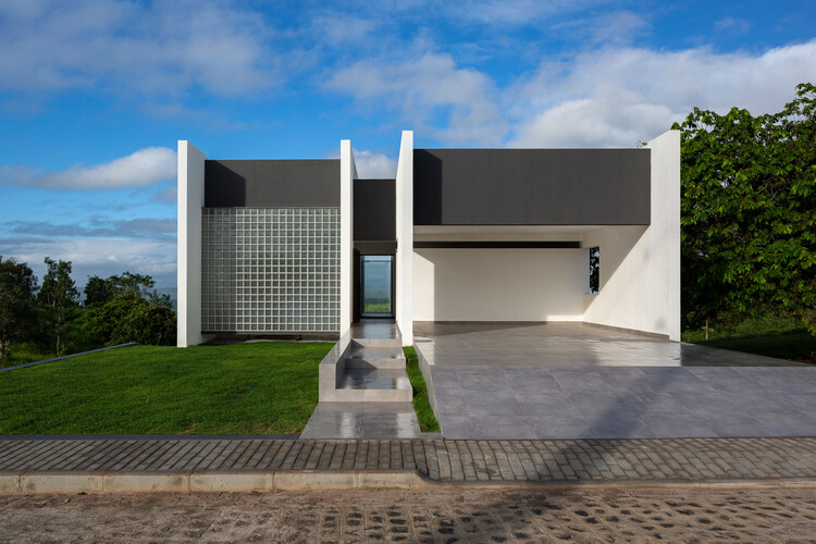 Casa Carpina / NEBR Arquitetura, © Manuel Sá
