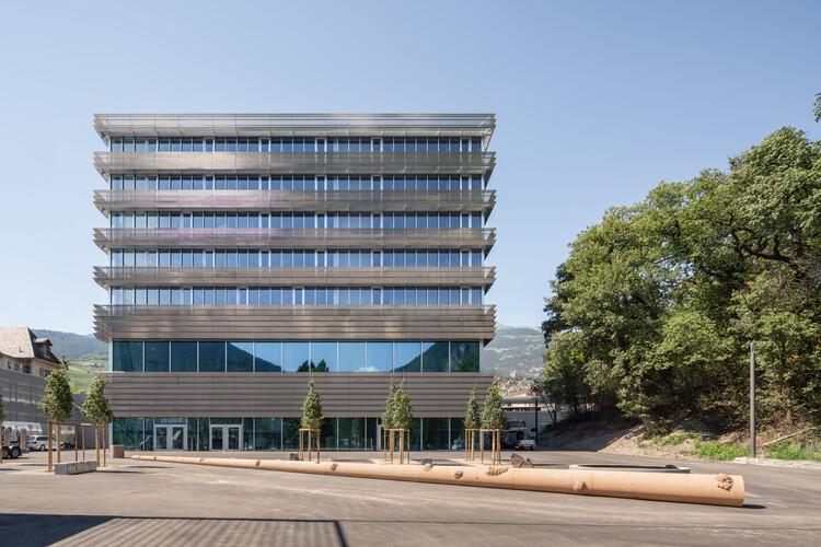 CGS_E College / BW Arch, © Nicolas Sedlatchek