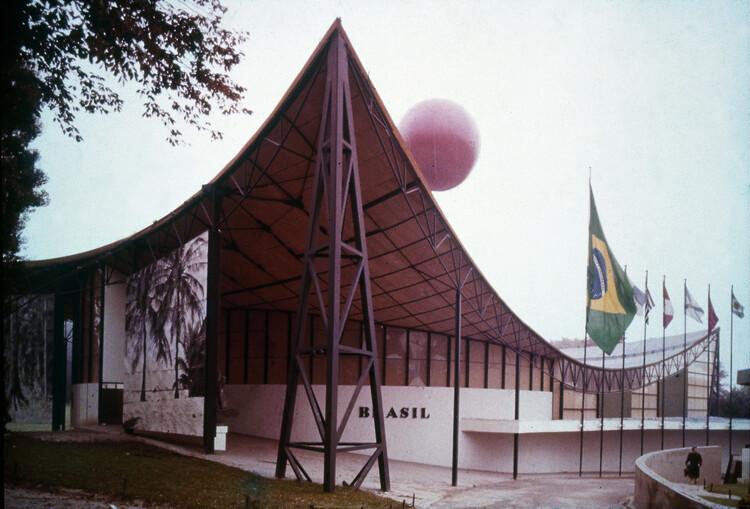 O papel da arquitetura na imagem do Brasil, Pavilhão de Bruxelas 1958 / Sérgio Bernardes. Imagem via Bernardes Arquitetura