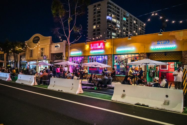 Hospitality venues embrace outdoor living along Main Street in Santa Monica, California.. Image Courtesy of Sean Paul Franjet