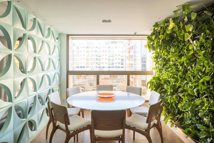 309 Apartment / CoDA arquitetos © Haruo Mikami