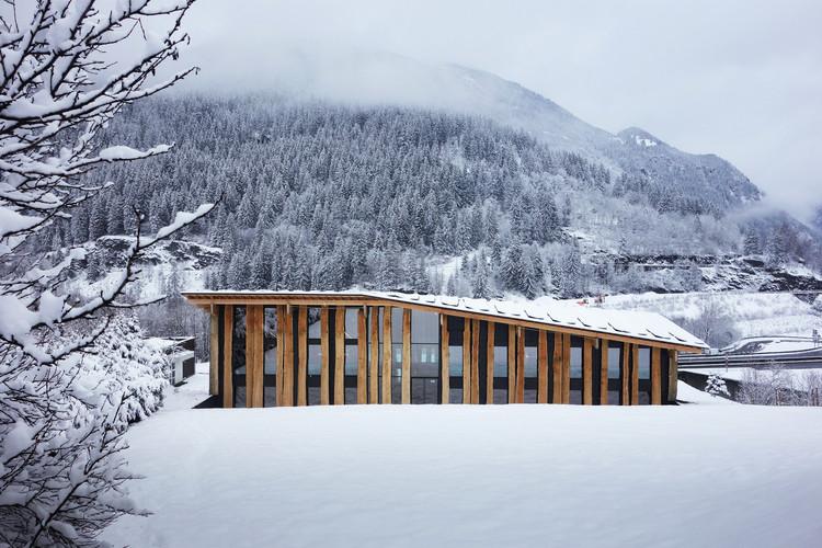Mont-Blanc Base Camp. Image Courtesy of Kengo Kuma and Associates