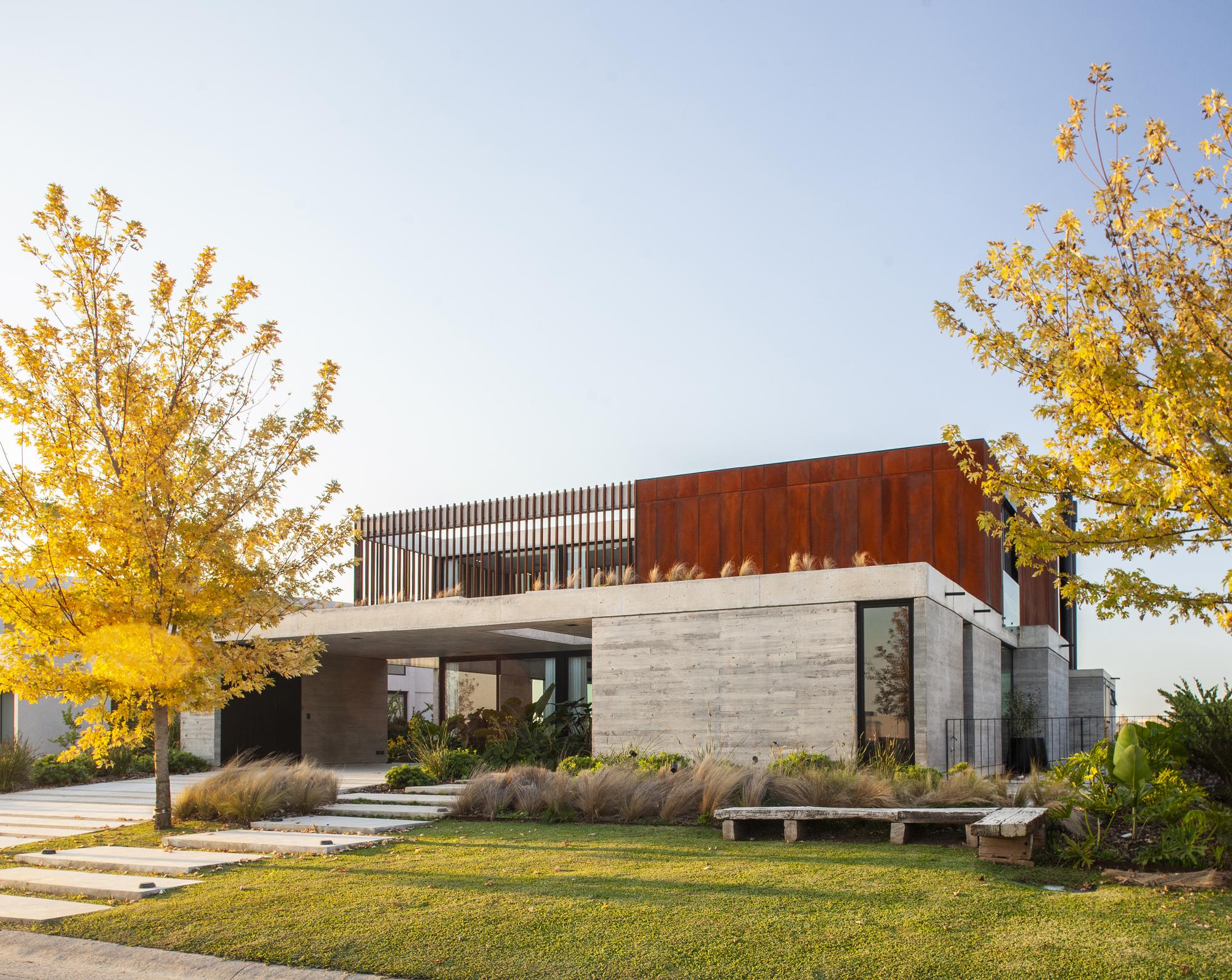 House FG / DIPA Arquitectos
