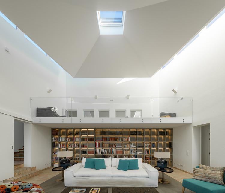 Casa na Costa Portuguesa / HBG Arquitectos, © Ricardo Oliveira Alves