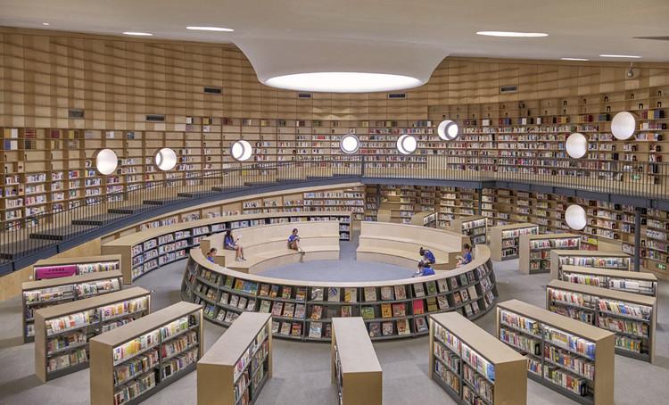 bibliotheater terraced reading space. Image © Jonathan Leijonhufvud