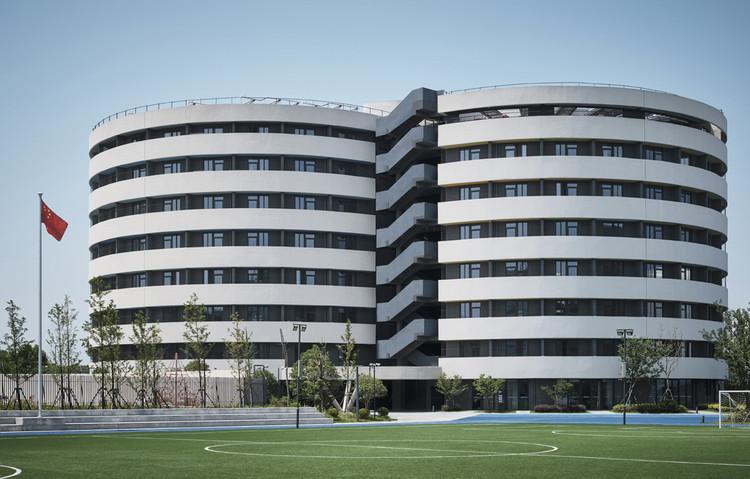 helical dormitory. Image © Jonathan Leijonhufvud