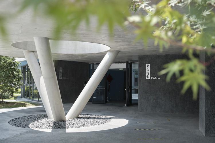 helical dormitory entrance. Image © Jonathan Leijonhufvud
