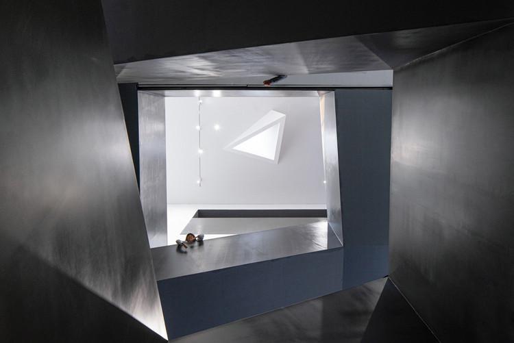 art center stairs. Image © Qingshan Wu