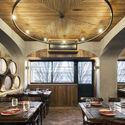 Barril Restaurant / Paulo Merlini arquitetos. Image © Ivo Tavares Studio