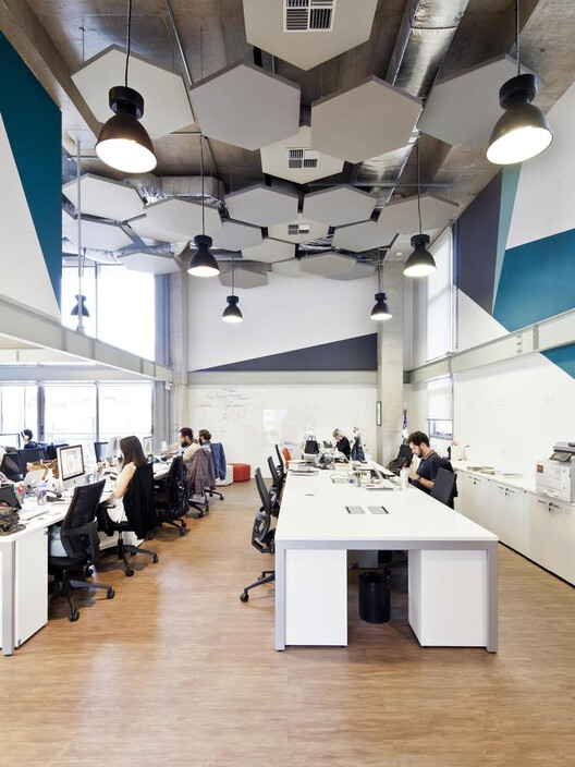 Dentsu Aegis Network / DMDV arquitetos. Image © Maíra Acayaba