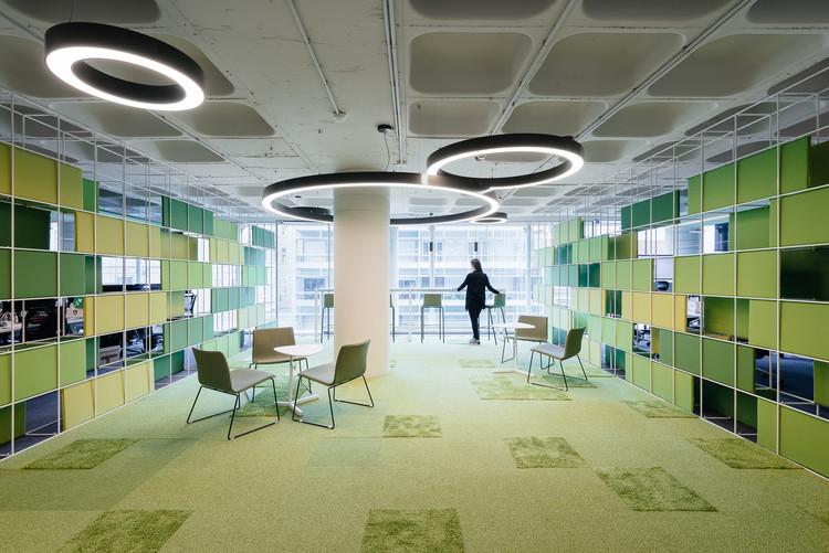 Interiores com tratamento acústico: tipos e soluções, Escritórios OLX / Pedra Silva Arquitectos. Image © do mal o menos