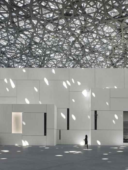 Louvre Abu Dhabi / Ateliers Jean Nouvel. Image © Roland Halbe