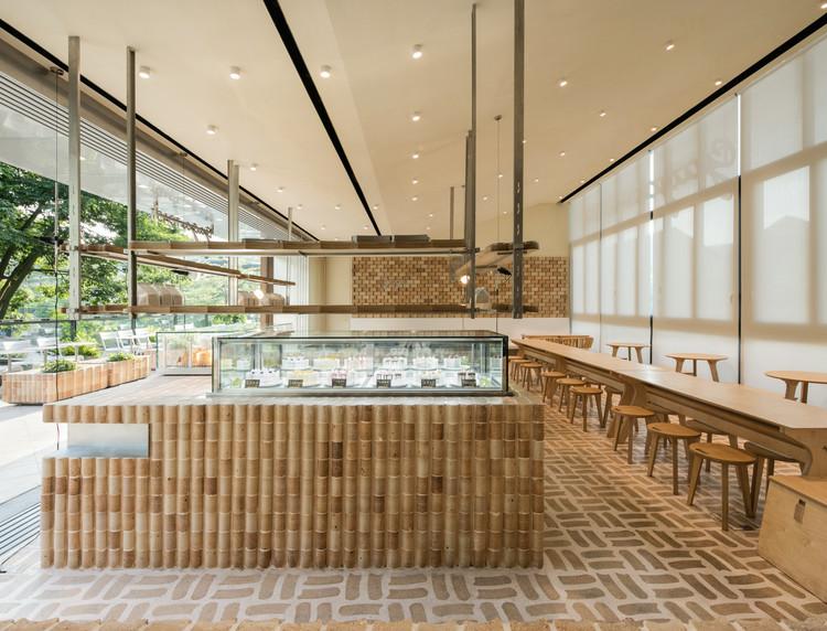 GAGA TOAST Bakery / dongqi Architects, © Raitt Liu