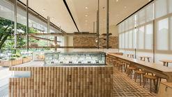 GAGA TOAST Bakery / dongqi Architects