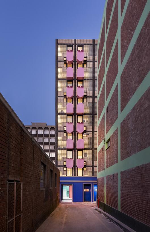 Departamentos Uxolo / Two Five Five Architects