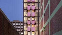 Apartamentos Uxolo/ Two Five Five Architects