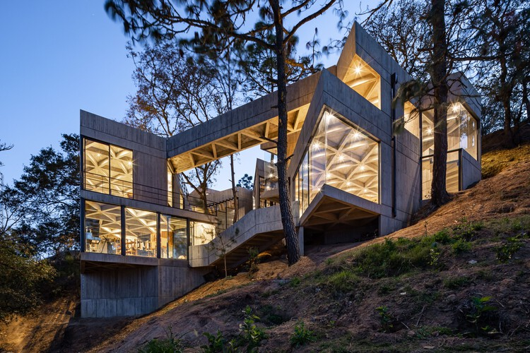 Santuario del Gusano de Seda / LAMZ Arquitectura, © Onnis Luque