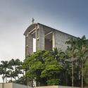 Gereja São Luiz Gonzaga di Brasil.  Gambar © Ronaldo Azambuja