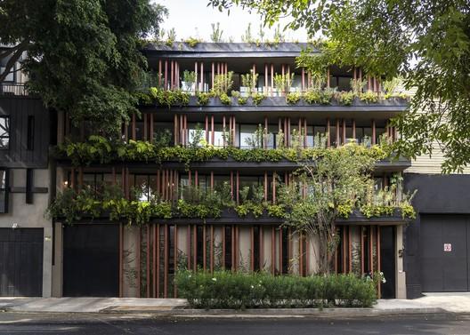 Edificio Cova07 / DFArquitectos