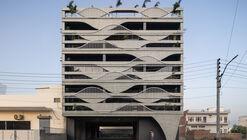 Edifício Meltcrete / Studio Ardete