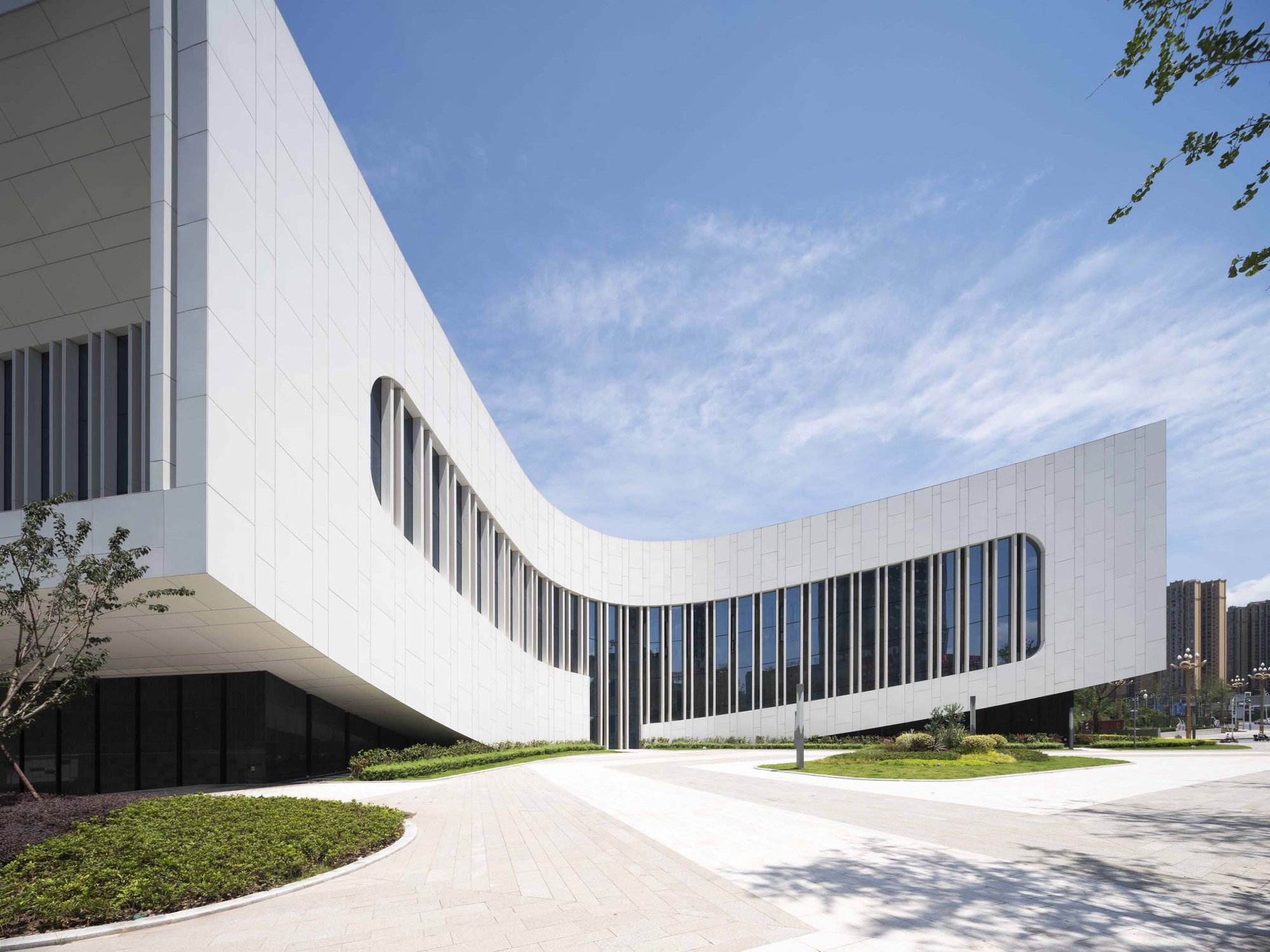 Yibin Science and Technology Museum / TJAD