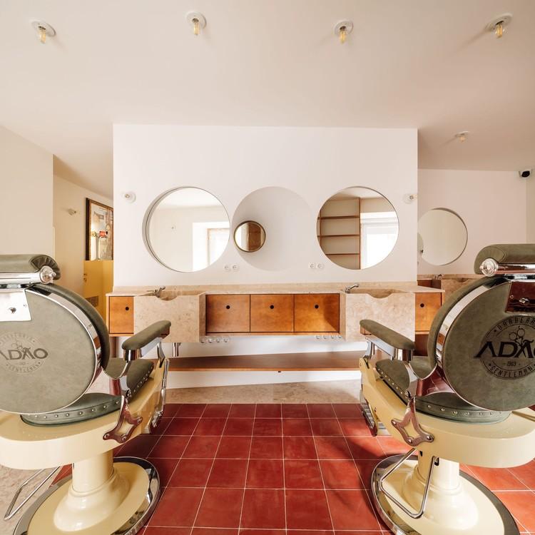 Barbearia Adão / Manuel Tojal Architects, © Francisco Nogueira