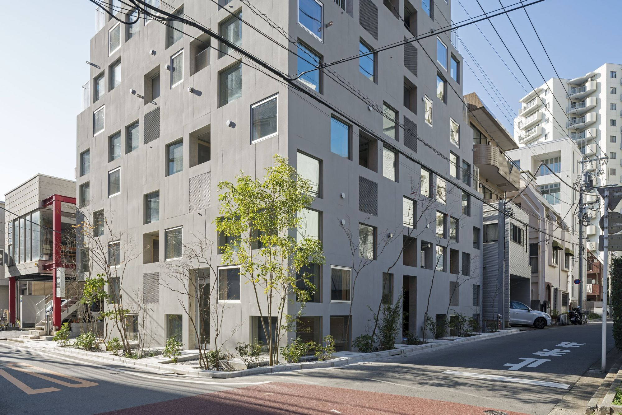 Hatsuse Mita Apartments / ihrmk