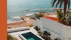 Life's a Beach. Homes, Retreats, and Respite by the Sea