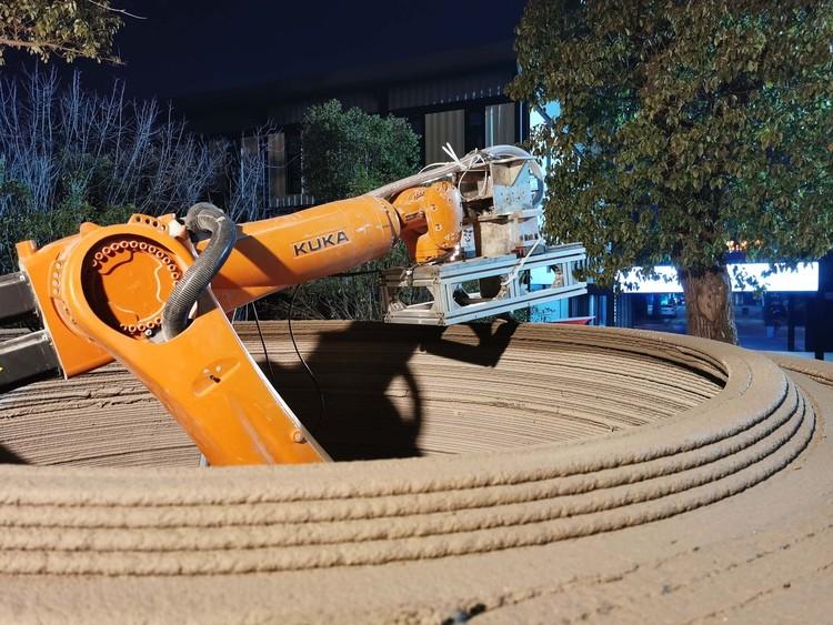 A Robot-3D Printed Concrete Book Cabin / Professor XU Weiguo's Team. Image Courtesy of Professor XU Weiguo's Team