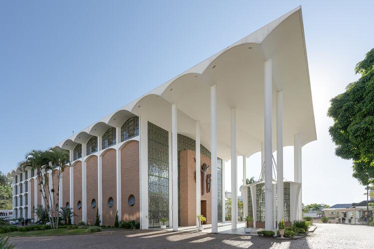 Modernizing the Sacred: Gottfried Böhm's Mother Church of São Paulo Apóstolo in Brazil, © Ronaldo Azambuja