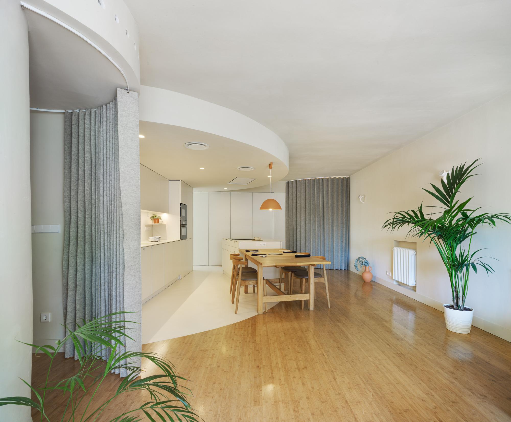 MO House / Laura Ortín Arquitectura