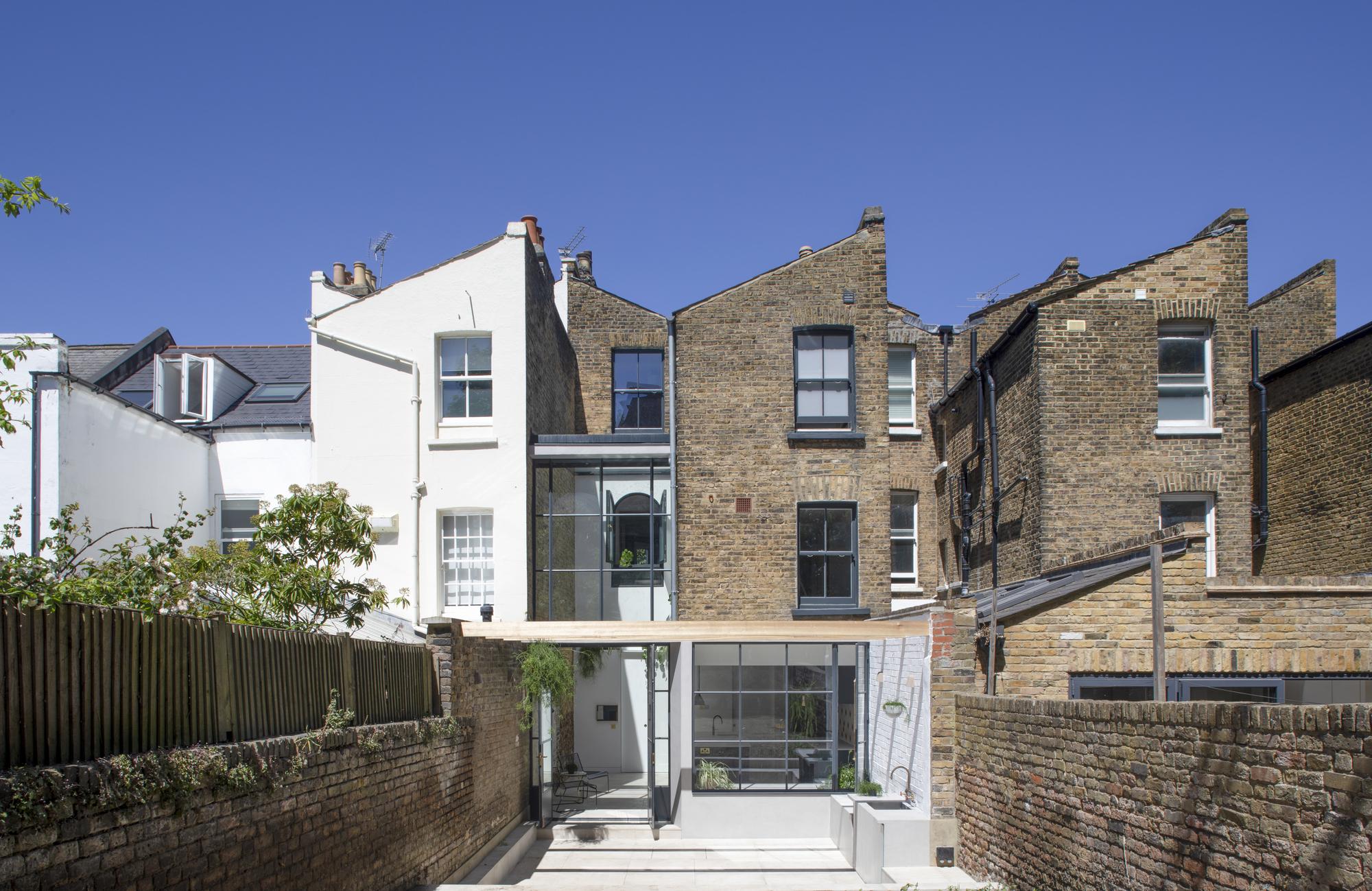 Hannington Road House / Matthew Giles Architects