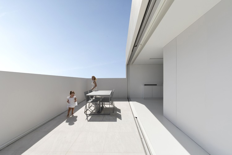 Ático Blanc / Fran Silvestre Arquitectos, © Diego Opazo