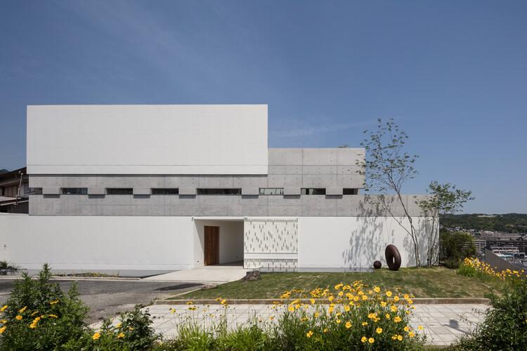 Port House / Maniera Architect and Associates, © Yoshiharu Matsumura
